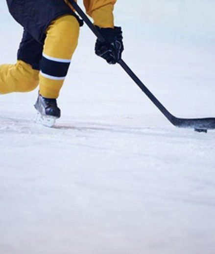 7 Most Common Ice Hockey Injuries That Can Usually Be Treated with a Professional Sports Massage